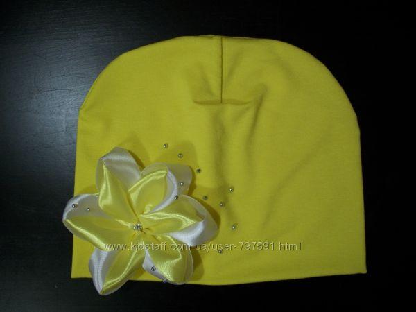 Яркая шапочка для малышки, 2-6 лет