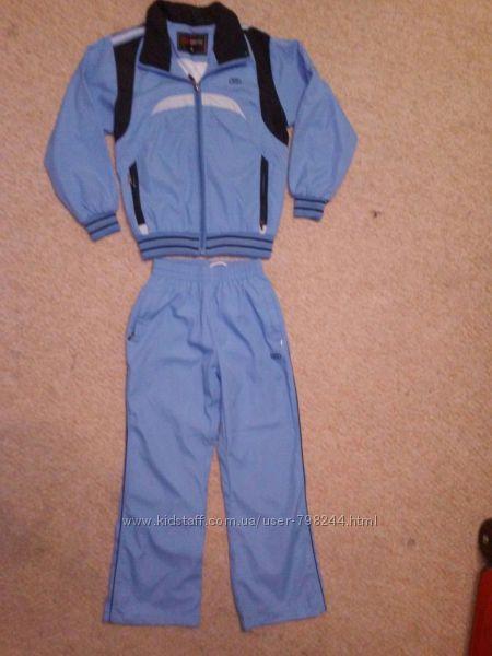 Спортивный костюм на 8-10 лет