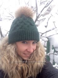 Зимняя женская шапка с натуральным мехом Енота