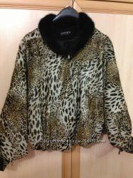 Очень красивая фирменная меховая курточка , воротник - норка