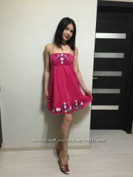 Платье OASIS в размере XS-S в идеальном состоянии