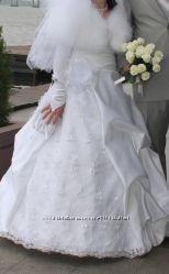 Продам свадебное платье р. 46-48