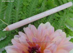 Легендарный универсальный розовый карандаш от Ив роше . Уves rocher