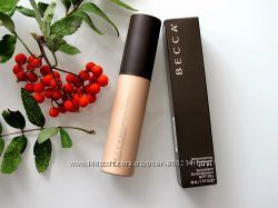 BECCA Shimmering Skin Perfector крем-хайлайтер