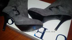 Ботиночки  GUESS