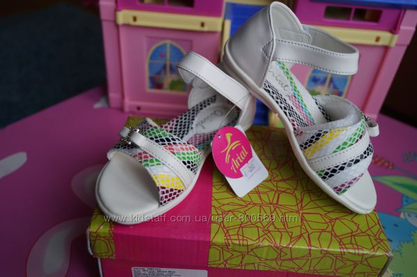 Босоножки для девочки, белый цвет, новые, 26 размер