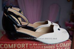 Нарядные туфли для девочки новые размер 33, 34