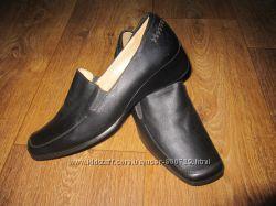 Продам новые кожаные женские туфли Польша по распродажной цене