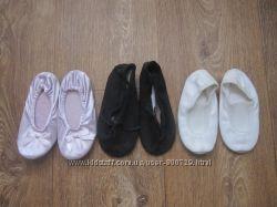 Продам балетки, чешки, тапочки на маленькую принцессу