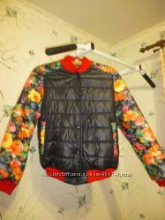 Красивая куртка-бомбер демисезонная