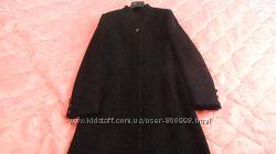Пальто чёрное класическое новое.