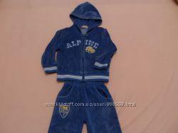 Велюровый костюм на мальчика 92-98