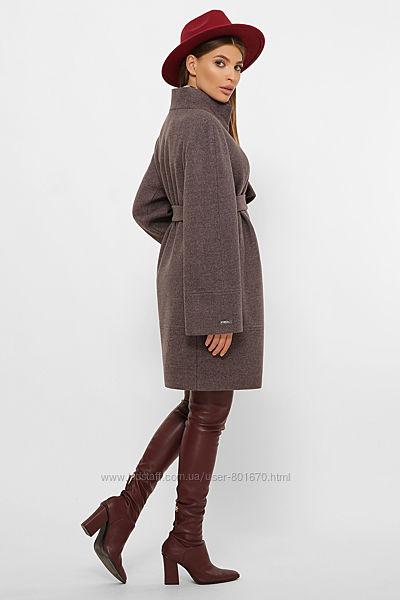 Пальто деми прямого силуэта, базовые цвета