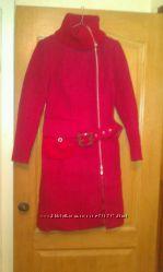 Пальто размер 44-46 новое срочно , очень красивое и яркое