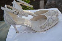 Белые туфли в отличном состоянии 22, 5см