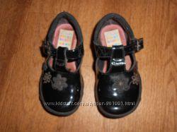 Туфли Clarks 5, 5 размер 14 см стелька. Мигают