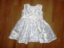 Безумно красивое платье Baby Boutique до года будет. Хотя написано 6-9 мес
