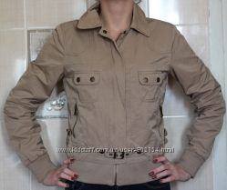 Бежевая куртка ветровка OGGI S, XS
