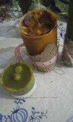 восковая свеча с лавандой.