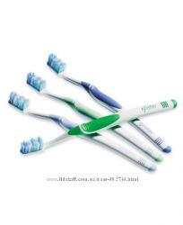 Набор зубных щеток для взрослых и детей Amway