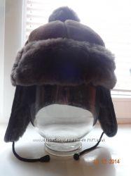 Много женских шапок, распродажа
