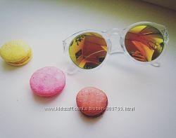 Солнцезащитные очки  цветные линзы