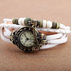 Женские наручные часы-браслет в ретро стиле.