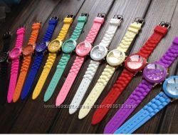 Стильные часы Geneva  в наличии все цвета