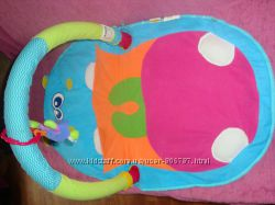 Продам развивающий коврик Infantino