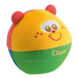 Мягкий мячик погремушка Chicco