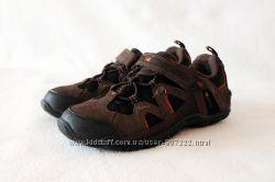 Трекинговые кожаные кроссовки Karrimor. Размер 32
