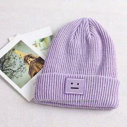 сиреневая женская шапка