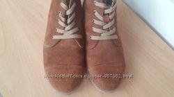 Замшевые ботиночки в отличном состоянии