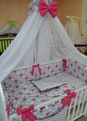 Комплект в детскую кроватку из 8-ми элементов для новорожденных.
