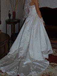 Cвадебное платье из атласа цвет айвори