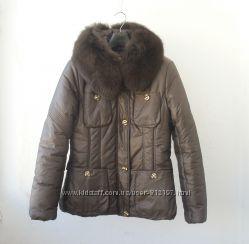 Куртка зимняя р. 44 с натур. мехом, коричневая, теплая