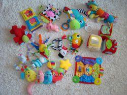 Фирменные игрушки от 0-12 мес Lamaze, chicco, mothercare.