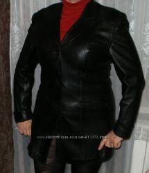 кожанный пиджак в отличном состоянии длина рукава регулируется