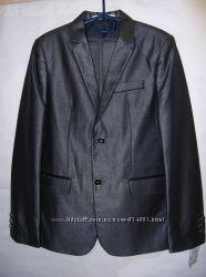 Нарядный праздничный элегантный костюм р. 140-146. Цена снижена.