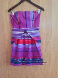 Яркое платье oasis с открытыми плечами
