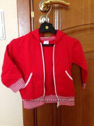 Продается спортивный костюмчик с капюшоном. Р. 80