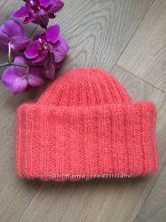 Объёмная шапка с высоким двойным подворотом из кидмохера