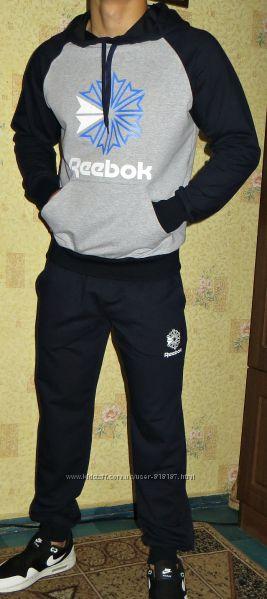 Спортивный костюм Reebok мужской Весна - лето.