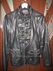 Пиджак кожзам в отличном состоянии