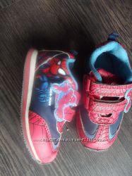 Моднявые кроссы человек-паук