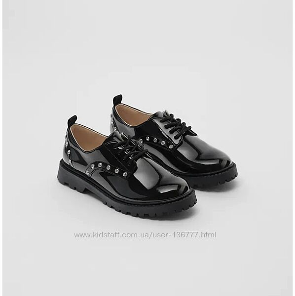 Новые туфли лоферы лаковые со стразами ZARA