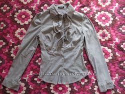 Новая блузка-рубашка с жабо 46рр