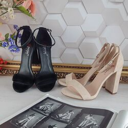Босоножки на высоком устойчивом каблуке
