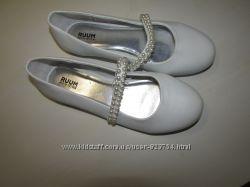 Продам нарядные туфли RUUM 36. 5 р