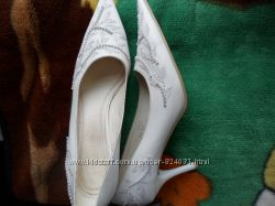 продам белые туфли размер 38-39